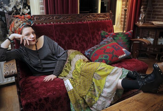 Joyce Deijnen ofwel Camilla Blue.