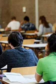 Gelekt nieuwkomersexamen Nederlands opgeschort