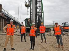 Extra brug van A15 naar Oostvoorne is volgend jaar zomer klaar