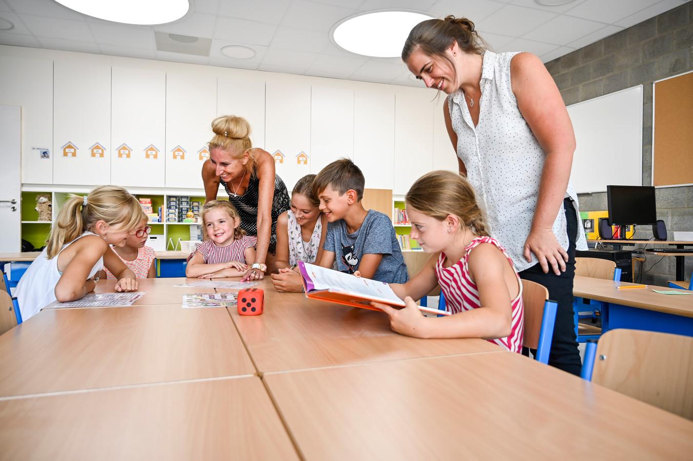 Leerlingen konden zaterdag tijdens een opendeur de nieuwe klaslokalen al eens uitproberen. Het enthousiasme is groot.