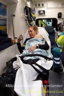 Agent neemt ontroostbare baby op schoot na ongeluk: 'Moederinstinct'