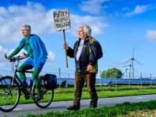David en Jan gaan wandelend en op de fiets naar de klimaattop in Glasgow: 'Het is tijd voor actie'