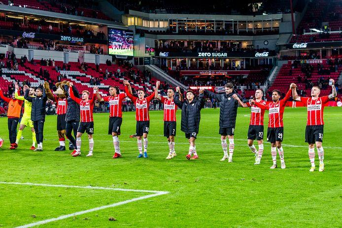 PSV vierde ook de krappe zege tegen Sparta met het eigen publiek.