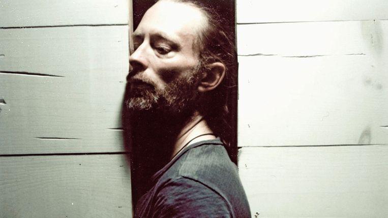 Thom Yorke uit zich als geestelijke dirigent van Atoms for Peace. Beeld rv