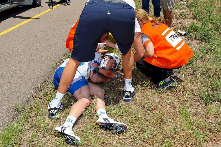 Onze landgenoot Kevin De Mesmaeker kwam zwaar ten val in de Ronde van San Luis Beeld Tim De Waele