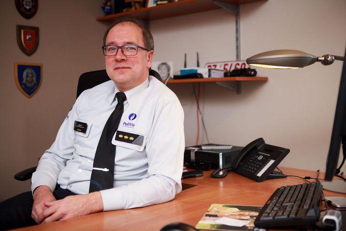 Johan Geeraert, korpschef van de lokale politie Polder, reageert weinig enthousiast op de komst van de nieuwe trajectcontroles.