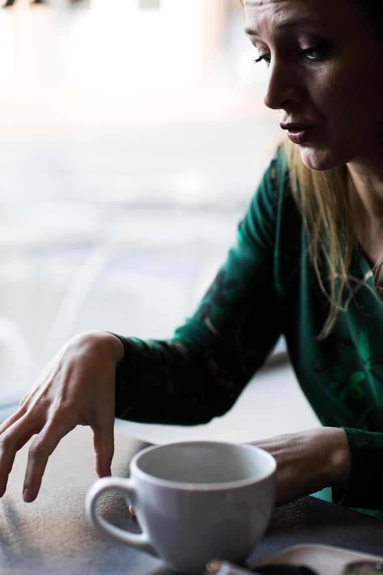 Alicja Gescinska: 'Stop ook eens met te praten over 'de baarmoederinhoud', zeg. Die 'inhoud' is heel tastbaar voor de persoon die de ingreep moet uitvoeren en voor de persoon die er afscheid van moet nemen, hoor.' Beeld Bas Bogaerts