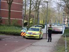 Fietsers botsen op elkaar in Veenendaal: man moet naar ziekenhuis