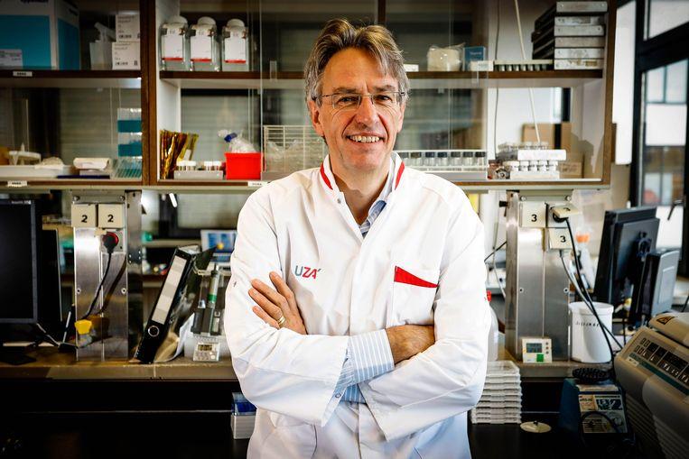 Herman Goossens, microbioloog aan de Universiteit van Antwerpen. Beeld Photo News
