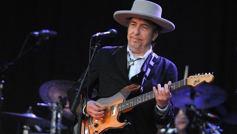 Bob Dylan eerder dit jaar in Frankrijk: 22 juli, Carhaix-Plouger. Bij het concert in de Heineken Music Hall, waarbij hij geen gitaar speelde, mocht gisteren niet worden gefotografeerd Beeld anp