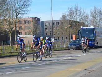 Renners verkennen parcours Omloop met aankomst in Ninove al