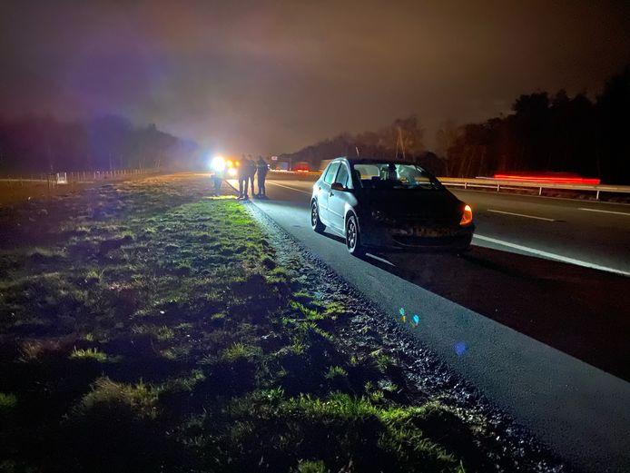 De auto die aan de kant moest nadat de bestuurder onder invloed van de weg raakte.