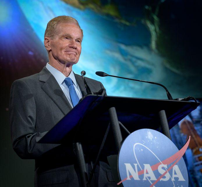 NASA-topman Bill Nelson presenteert de plannen voor de nieuwe wetenschapsmissies naar Venus.