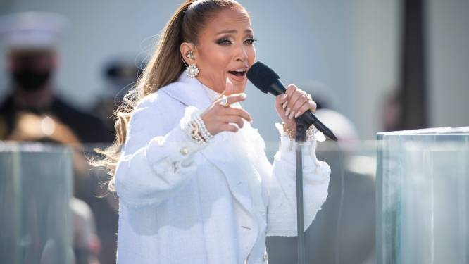 Jennifer Lopez recreëert iconisch moment uit haar videoclip 'Love Don't Cost A Thing'