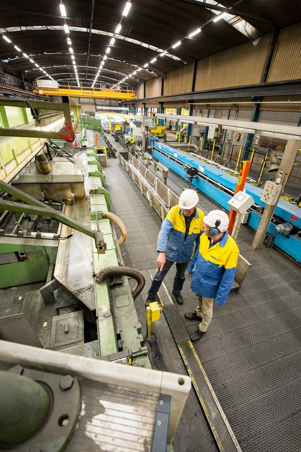 OOSTERHOUT -  Werkhal Tata Steel Oosterhout.