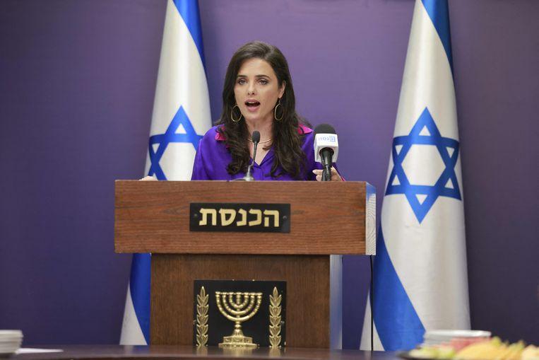 De Israëlische minister van Binnenlandse Zaken Ayelet Shaked in de Knesset.  Beeld AFP