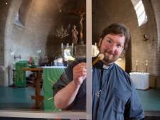 Priester Johan Rutgers sluit coronamaanden in Vechtdal en Salland af: verhuizing van De Belte naar Barneveld