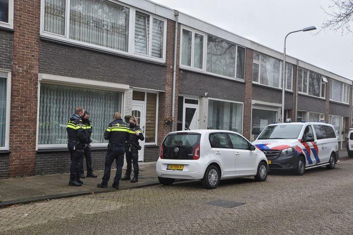 De politie spreekt van 'mogelijk twee daders'.