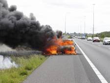 File op A73 tussen Cuijk en Malden door autobrand, weg is weer vrij