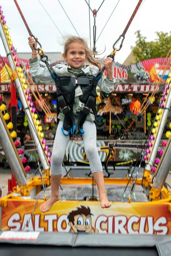 Pret in de 'bungee-trampoline' in Driel.