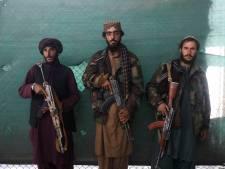 Taliban hangen lichamen van 'ontvoerders' op in openbaar