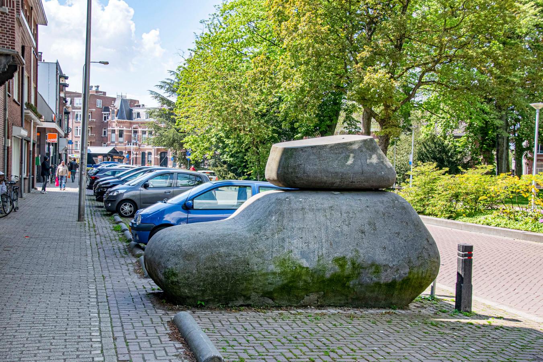 Het kunstwerk Caruso aan het Wilhelminapark is een van de circa 250 kunstwerken in de openbare ruimte van Tilburg, Udenhout en Berkel-Enschot.