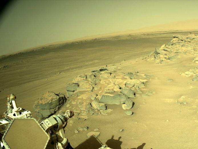 Marsrover Perseverance op de planeet.
