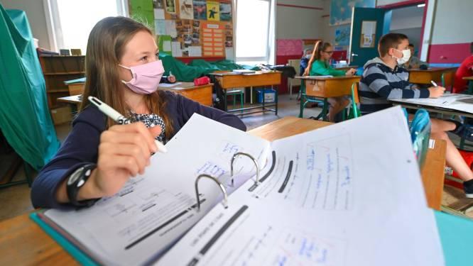 """Molenberghs pleit voor mondmaskers in lagere scholen: """"We moeten het probleem oplossen waar het zich stelt"""""""