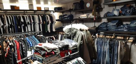 Etentje met een nep-Dior of Nike als toetje; horecabaas verkocht nepkleding achter zijn zaak
