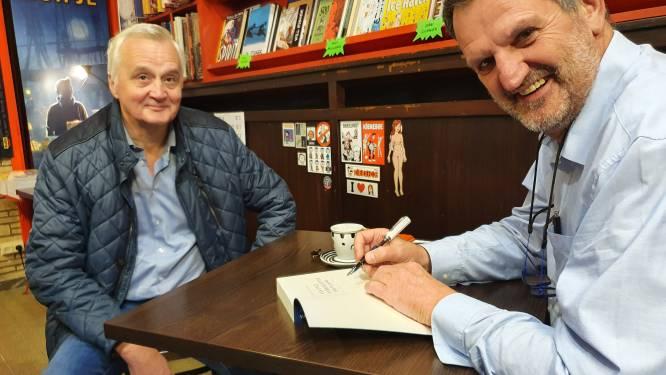 """Patrick Van Gompel signeert zijn boek bij vriend Ad Hendrickx van stripwinkel Tistjen Dop: """"Kan me geen betere plaats inbeelden om te signeren"""""""