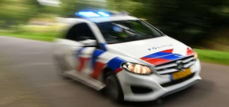 'Moeten politieauto's zich niet aan de verkeersregels houden?'