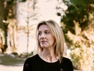 """INTERVIEW. Stephanie Kelton: """"Als vooraanstaande economen je werk met regelrechte leugens opzijschuiven, doet dat pijn"""""""
