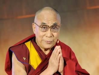 """Dalai Lama en 100 andere Nobelprijswinnaars: """"Laat fossiele brandstoffen in de grond zitten"""""""