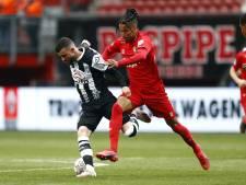 Twente pakt punt in Twentse Derby na omstreden VAR-beslissing