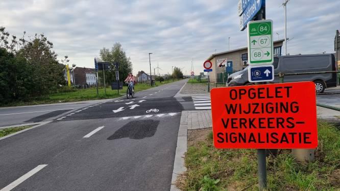 """Fietsers zijn voorrang op F20 in Ruisbroek alweer kwijt: """"We grijpen in voor er zware ongelukken gebeuren"""""""