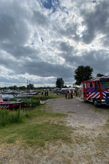 Dodelijk slachtoffer bij drama met sloep bij Strand Nulde is jongen (18) uit Barneveld