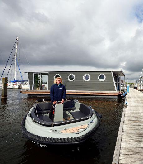Slapen in een huisje op het water in Dinteloord: 'Je kunt vanaf je terras vissen'