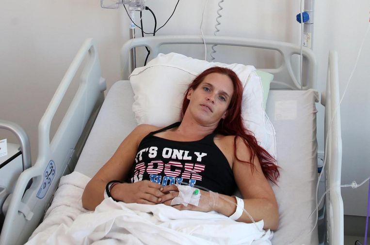 Marjolein Vandenbussche (32) kwam met haar voet onder een minibulldozer terecht.