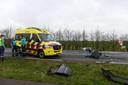 Bij het ongeluk botsten twee auto's frontaal op elkaar.