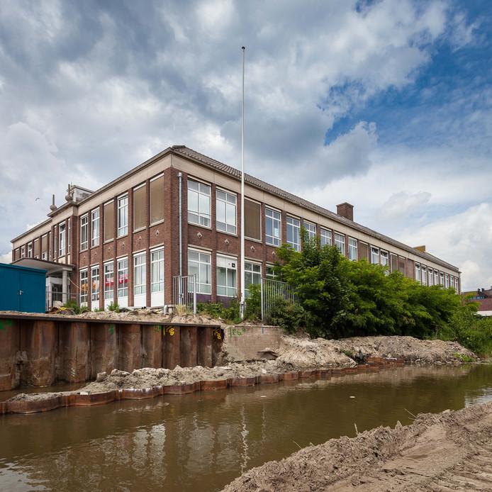 Het voormalige kantoor van Essent aan het Kadeplein.