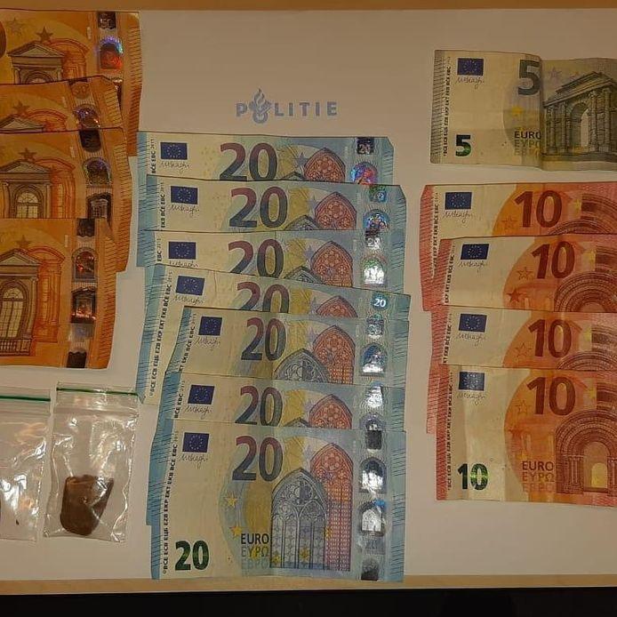 De mannen hadden bij hun aanhouding geld en drugs op zak.