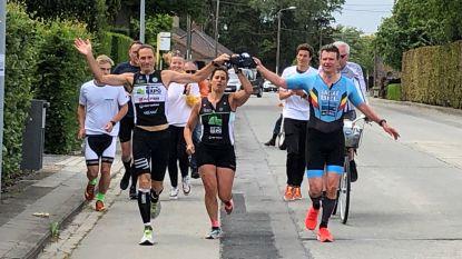 Frank werkt Ironman af vanuit woning als eerbetoon aan overleden triatleet Kasper