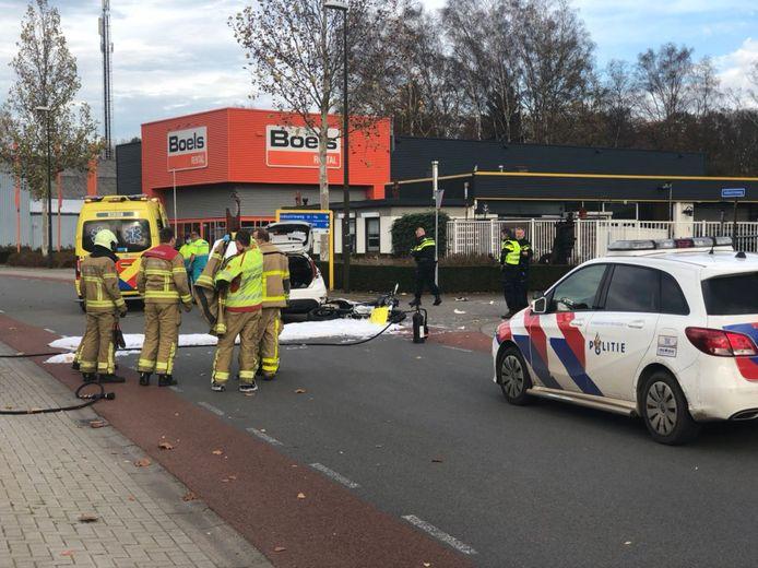 Een motorrijder is zwaargewond geraakt bij een ongeluk op de Industriestraat in Winterswijk.