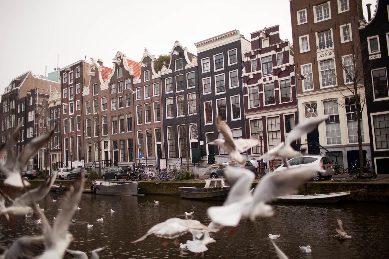 Gerard Kock (23) woont in Amsterdam, maar verhuist binnenkort naar een woning in Haarlem, die bijna tien keer zo groot is.