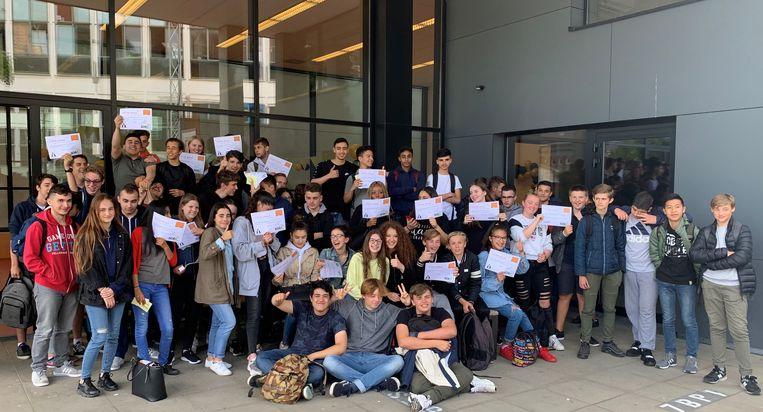 De leerlingen van Campus De Brug met hun SODA-attest.