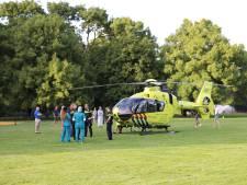 Kindje valt van speeltoestel in Vlaskamp, slachtoffertje met spoed naar ziekenhuis