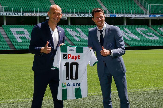 Arjen Robben met Mark-Jan Fledderus, de technisch directeur van FC Groningen.
