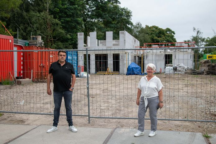 Gerwin Toonstra en Wilma Aalvanger laten weten dat de projectgroep Marnixstraat geen genoegen neemt met de excuses van wethouder Jeroen de Jong.