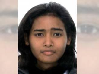"""Zoektocht met politiehelikopter naar vermiste Sarah (28) levert niets op: """"Strohalm gevonden"""""""