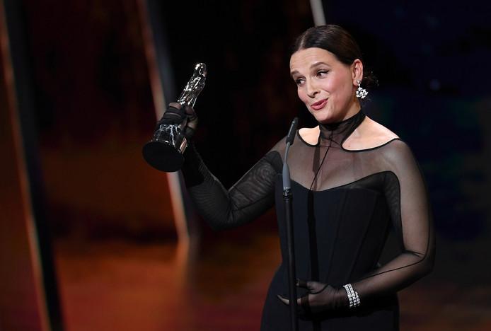 Juliette Binoche receives the European Achievement in World Cinema award during the 32nd European Film Awards in Berlin, Germany, December 7, 2019. Britta Pedersen/Pool via REUTERS